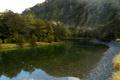 Картинка вода, деревья, мост, скала, отражение, камни, прозрачная