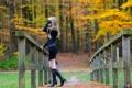 Картинка осень, девушка, мостик