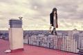 Картинка крыша, девушка, город, мим, грим, на грани