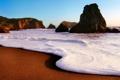 Картинка песок, пена, пляж, скалы, небо, море