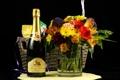 Картинка бутылка, букет, ваза, черный фон, шампанское, корзинка, герберы