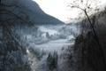 Картинка лес, река, деревья, долина, иней, зима, горы