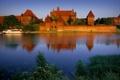 Картинка озеро, замок, Польша, castle, poland