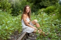 Картинка природа, улыбка, платье, красотка, сидит, Dominika Chybova, на рельсе