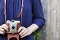 Картинка девушка, синий, фон, обои, настроения, размытие, камера