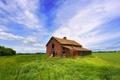 Картинка небо, домик, зеленое поле