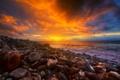 Картинка закат, камни, берег, небо, облака, зарево, море
