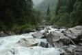 Картинка зелень, река, камни, русская природа