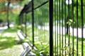 Картинка город, улица, забор, растение, bokeh