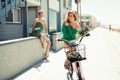 Картинка лето, блондинка, парень, девушка, отдых, велосипед