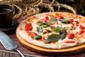 Картинка пицца, базилик, помидоры, сыр