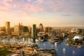 Картинка небо, лодка, дома, парусник, США, парад, гавань