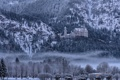 Картинка Бавария, замок Нойшванштайн, деревья, Германия, туман, зима, горы