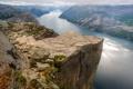 Картинка горы, облака, река, скалы, обрыв
