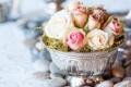 Картинка цветы, розы, ваза, камешки