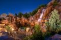 Картинка Ночь, Фонари, Камни, Водопады, disneyland, california