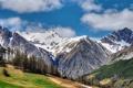 Картинка горы, лес, снег, подъёмник, облака
