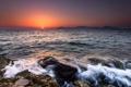 Картинка вода, солнце, пейзаж, закат, брызги, камни, берег