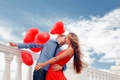 Картинка любовь, красное, романтика, нежность, Девушка, поцелуй, платье