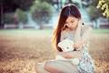 Картинка азиатка, настроение, девушка, взгляд, мишка
