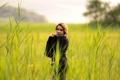 Картинка зелень, поле, трава, девушка