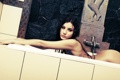 Картинка попа, взгляд, девушка, фигура, брюнетка, кафель, ванна