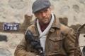 Картинка оружие, кадр, куртка, актер, кепка, Jason Statham, Джейсон Стэйтем