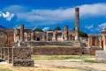 Картинка небо, город, Италия, храм, руины, колонна, Помпеи
