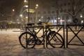 Картинка зима, ночь, велосипед, улица, Франция, Париж, ограждение
