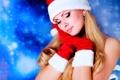 Картинка девушка, лицо, волосы, серьги, макияж, Christmas, варежки