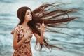 Картинка natural light, платье, полёт, Jeanne, волосы