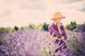 Картинка девушка, цветы, блондинка, профиль, шляпка, лаванда