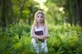 Картинка природа, девочка, книга