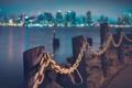 Картинка дорога, ночь, город, фото, столбы, цепь, Калифорния