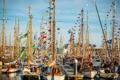 Картинка небо, праздник, лодка, бухта, яхта, стоянка, мачта