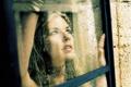 Картинка капли, окно, девушка, взгляд