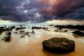 Картинка море, пляж, небо, камни
