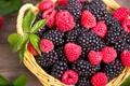 Картинка ежевика, корзина, малина, ягоды