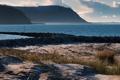Картинка песок, море, трава, вода, горы, океан, берег