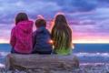 Картинка небо, закат, дети, горизонт, бревно
