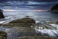 Картинка море, тучи, камни, берег, залив