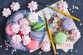 Картинка меренги, макарун, ручки, печенье, десерт, разноцветное, открытки