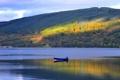 Картинка осень, лес, небо, свет, горы, озеро, лодка