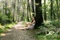 Картинка лес, девушка, бабочки, природа
