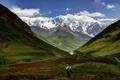 Картинка небо, трава, облака, снег, горы, долина, Грузия