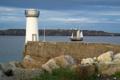 Картинка парусник, мол, берег, маяк, камни, море