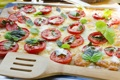 Картинка пицца, помидоры, лопатка