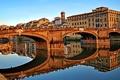 Картинка отражение, дома, Италия, арка, Флоренция, река Арно, мост Санта-Тринита