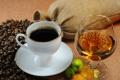 Картинка яблоки, кофе, зёрна, коньяк, бокал, чашка, блюдце