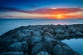Картинка закат, камни, гряда, море